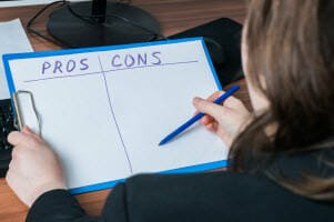 The Declaration Of Bankruptcy – What Are The Pros And Cons Of Filing Chapter 7?